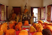 Thailands, monks praying, wmfree use