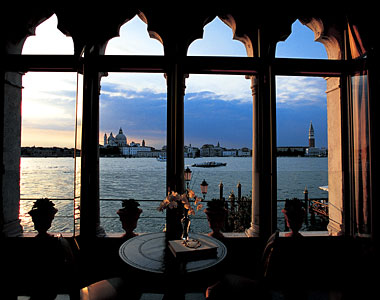 The Most Romantic Places To Stay Stylish Places To Stay