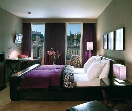 Stylish business hotels and apartments stylish places to for Stylish hotel rooms